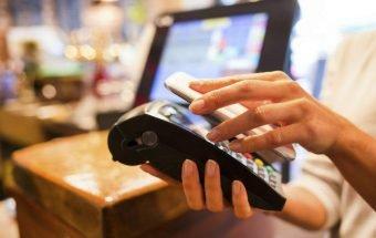 Сбербанк в 2017 году оснастит все карты технологией бесконтактного платежа