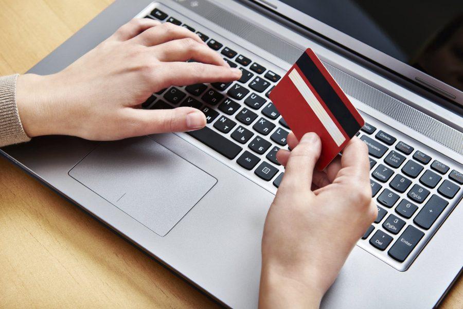 Вносить деньги на банковский счет