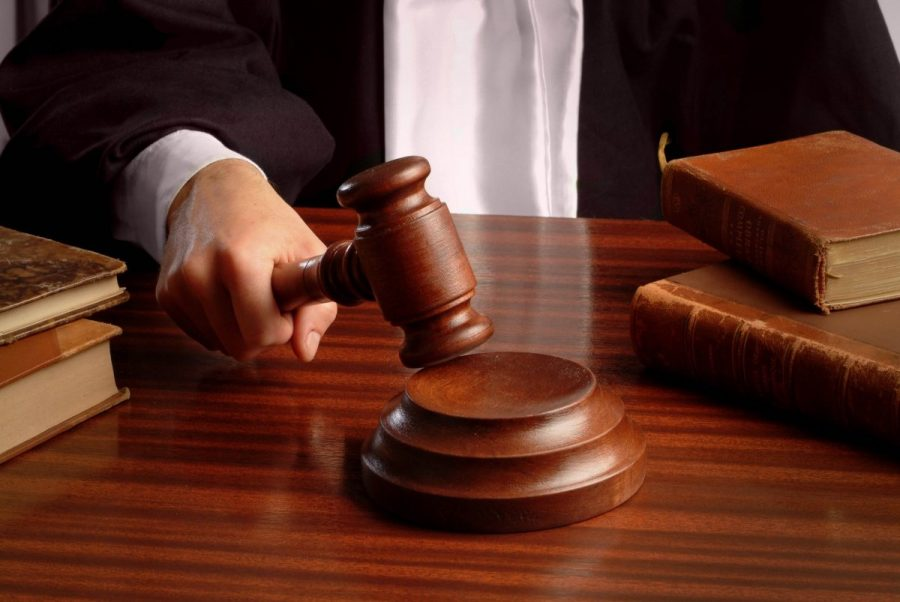 Суд возбуждает исполнительное производство