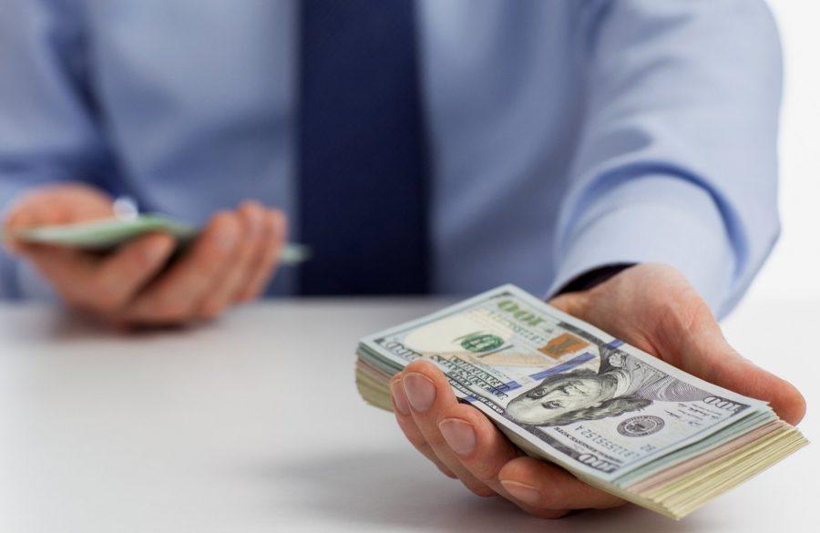 Банк дает займ с временной пропиской